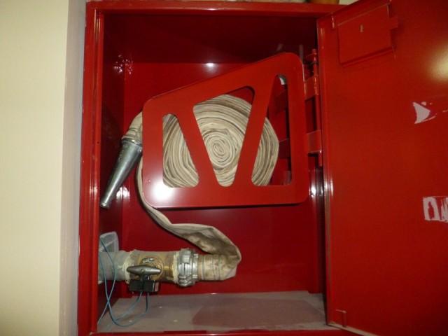 Пожарный кран на этаже